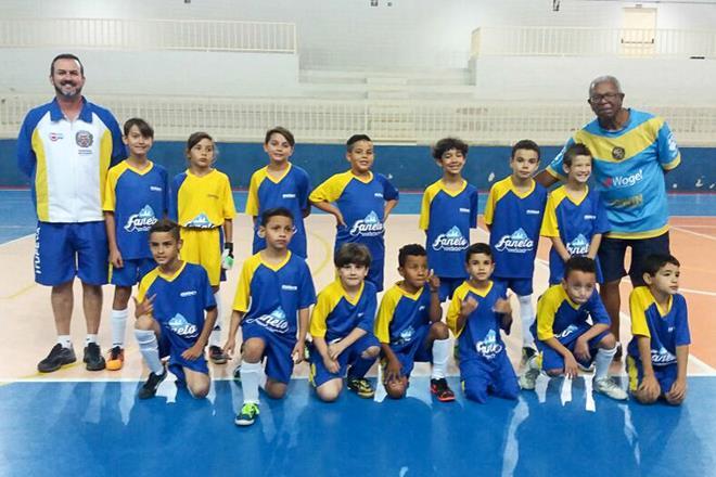 Itupeva estreia na Copinha sub-7 de Futsal nessa segunda-feira (2 ... f84e24adb8ee6